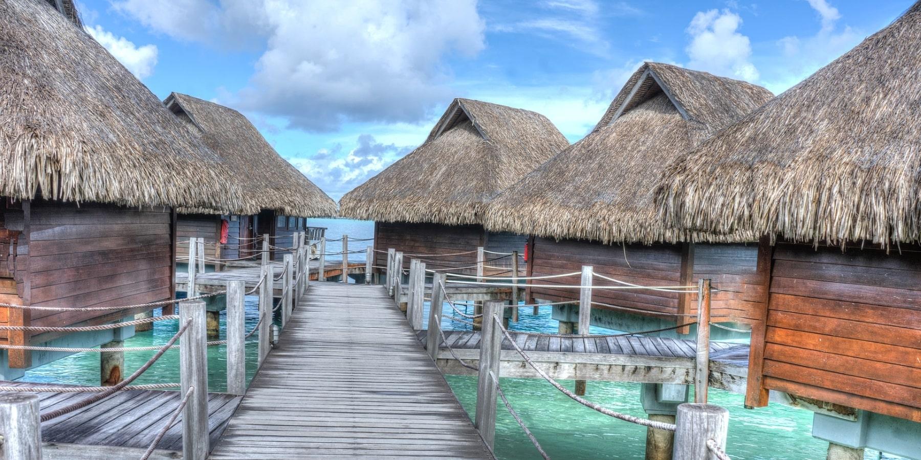 Бунгало у острова